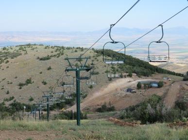 Looking down the Vista lift, still in Sun Valley green.