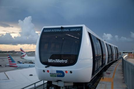 A new Leitner-Poma/Sigma MiniMetro train car transports flyers at Miami International Airport.  Photo credit: Leitner-Poma
