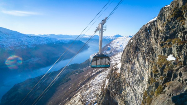 Cable-Car-Loen-Skylift.-Photo_-Lars-Korvald