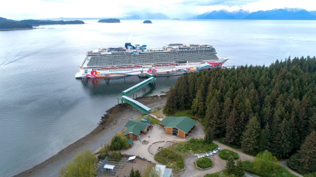 norwegian-joy-at-icy-strait-point-adventure-landing
